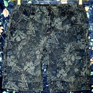 (r)elativity shorts tropical blue pattern size 6 P